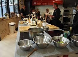 cours de cuisine niort remportez votre cours de cuisine avec rtl2 niort et le chef