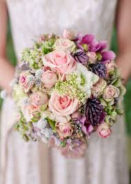 Flower Arrangements Weddings - 10 insanely pretty spring wedding bouquets barn wedding