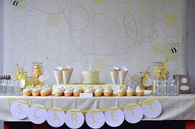 gender neutral baby shower decorations how to plan gender neutral baby shower baby shower for parents