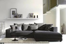 gros canapé gros coussin de canape des coussins par dizaines grand coussin