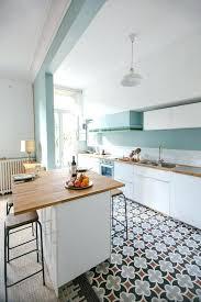 repeindre sa cuisine en gris carrelage gris clair quelle couleur pour les murs repeindre sa