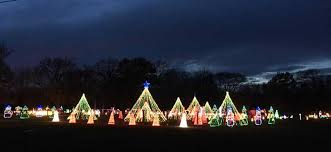 Iowa where to travel in january images Holiday drive through light displays jpg