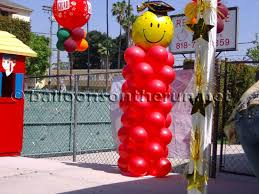 balloons on the run party decorations r u0027 us balloon columns