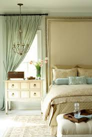 30 of our favourite vintage bedrooms marble buzz this vintage bedroom exudes calmness thanks to its very subtle light blue and green accents and overall beige and cream color scheme