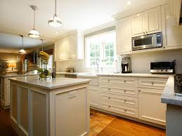 How Much Does It Cost To Reface Kitchen Cabinets Painting Vs Staining Kitchen Cabinets