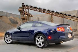 2010 mustang models review 2010 ford mustang gt a week changes attitudes