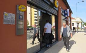 ouverture bureaux de poste ris orangis la poste réduit de moitié les horaires d ouverture du