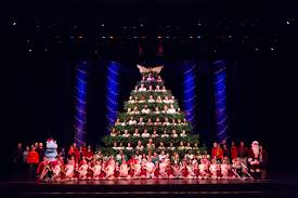Bellevue Baptist Church Singing Christmas Tree by The Singing Christmas Tree Merry Christmas Pictures