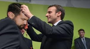 Macron démissionne, disent aussi les tarots ! Images?q=tbn:ANd9GcSilevFavpi1ar0GMCMm6BdcgsY2T-G_atHNGTwoJ5wjec3AlYiow