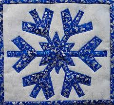pretty in blue mug rug 4 quilts by jen