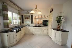 cuisine couleur ivoire cuisine rocchetti angers ivoire patine brune meubles rocchetti nord