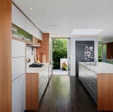 tafelfarbe küche den alten kühlschrank aufpeppen ideen mit wandstickern und tafelfarbe