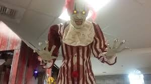 clown costumes spirit halloween spirit halloween 2017 towering clown youtube