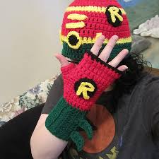 How To Make A Robin Hat Out Of Paper - ravelry robin hat and fingerless glove set pattern by