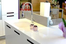 plan de travail pour cuisine blanche plan de travail cuisine blanc cuisine blanche avec parquet pour