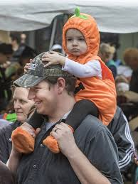 downtown washougal pumpkin harvest festival attracts engaged