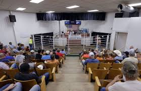 Buds Auction Barn Live From Livestock Barn Leroy Van To Christen Collinsville