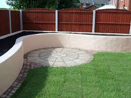 Curved Garden Wall by Muddy Boots