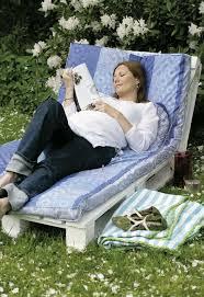 chaise longue palette diy une chaise longue en bois de palette initiales gg