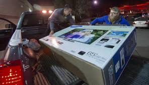 black friday flat screen brawls erupt in stores open on thanksgiving ny daily news