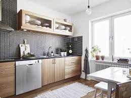 cuisine noir et blanche deco cuisine bois et blanc idées de décoration capreol us