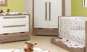 quand préparer la chambre de bébé chambre bébé quand la préparer famille et bébé