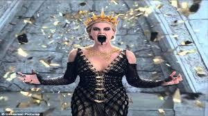Queen Ravenna Halloween Costume Charlize Theron Terrifying Evil Queen Ravenna