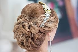 chagne pour mariage nos conseils et astuces pour un chignon tressé comme coiffure de