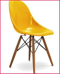 chaises jaunes chaises jaunes 146270 chaise jaune design eiffel sw charles eames