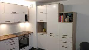 panneau cuisine aménagement de cuisine sur mesure avec panneaux en chêne massif