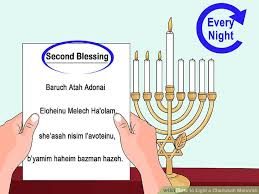 menorah 7 candles how to light a chanukah menorah 15 steps with pictures