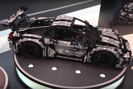 technic porsche 911 gt3 rs the technic porsche 911 gt3 rs looks almost like the real car