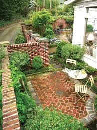 15 innovative designs for courtyard gardens hgtv 75 best garden courtyards images on at home flowers