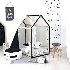chambre syndicale de la haute couture chambre enfant deco deco enfant tendance maisonnette jeu chambre