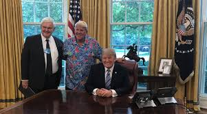 trump oval office pictures john daly visits president trump in white house golf com