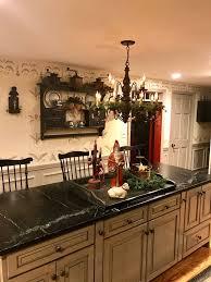 Primitive Kitchen Lighting 667 Best Primitive Colonial Kitchens Images On Pinterest Kitchen