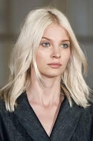 coupe pour cheveux pais 20 coupes parfaites pour les cheveux épais hair cuts blond and