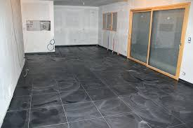 carrelage cuisine noir brillant carrelage cuisine noir brillant affordable carrelage salle de bain