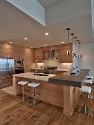 cuisine en bois moderne des cuisines en bois oui mais modernes kitchens modern kitchen