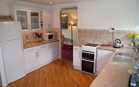 comment faire un plan de cuisine meuble sous evier cuisine amenager pour gagner de la comment