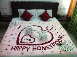 Flower Decoration For Bedroom Honeymoon Special Flower Bed Decoration In I Cloud Munnar