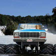 bigfoot monster truck pictures bigfoot driving a monster truck in a river pictures freaking news