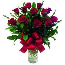 one dozen roses one dozen stem roses in a vase in glendale ca honey bee