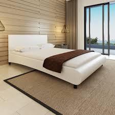 chambre a coucher adulte noir laqué idee buffle design x cm coucher led courbe chambre vitara noir en