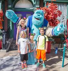 Famous Birthdays On Halloween Famous People Who Love Disney Parks Oh My Disney