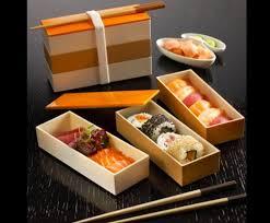 box de cuisine box de sushi maki sashimi et california roll de thon saumon