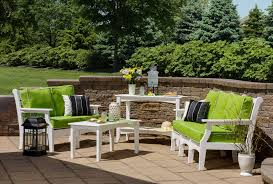 Outdoor Table Set by How To Choose The Right Outdoor Table Set For Your Backyard