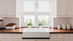 best paint to use on wood kitchen cabinets advice from a park ridge kitchen cabinet painting company