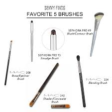 the savvy finds women favorite makeup brushes