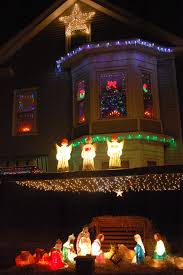 Best Decorated Homes For Christmas Where To See The Best Christmas Lights Around Boston The Artery